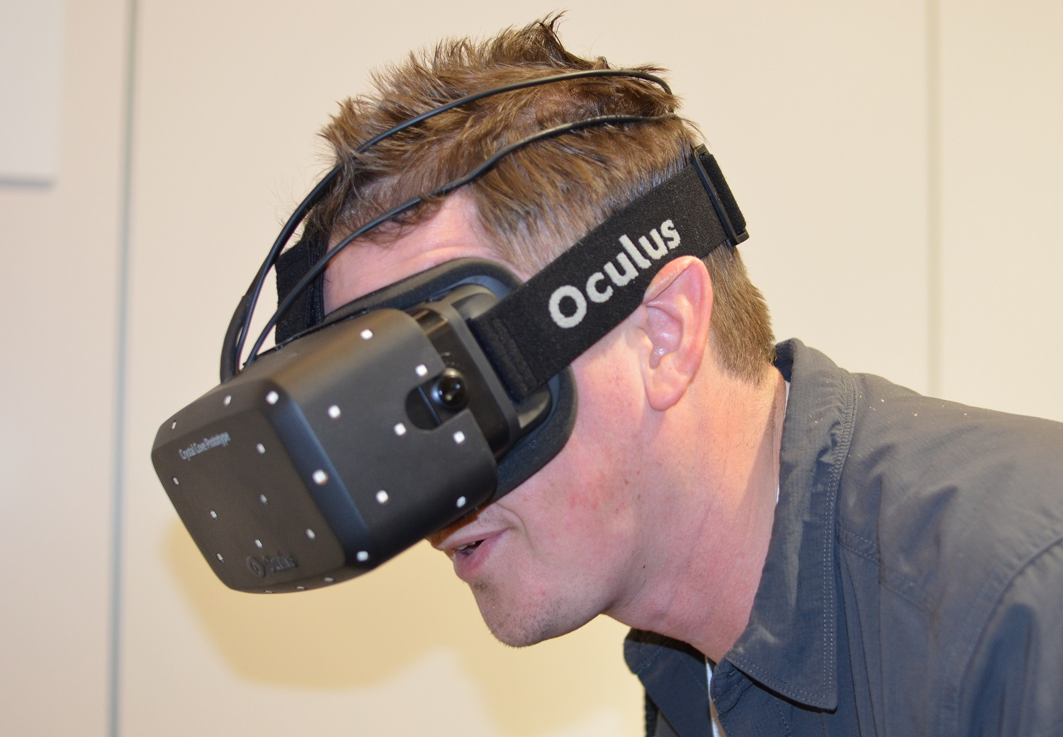 ces-2014-oculus-rift-crystal-cove-prototype-interview-palmer-luckey-nate-mitchell-low-persistence-positional-tracking